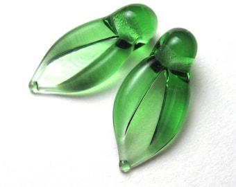 LEAF BEADS, Lampwork Beads, handmade transparent emerald green leaves, lampwork leaf bead, glass leaf bead, emerald leaves, emerald lampwork