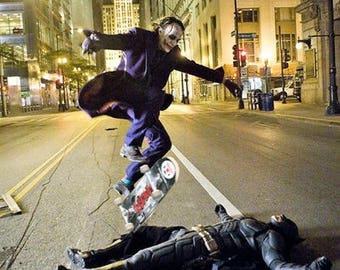 Heath Ledger kick flipping over Christian Bale during filming of 'The Dark Knight.