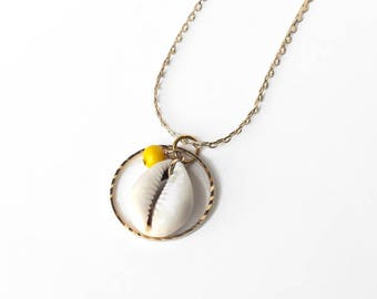 Cauri gold pendant necklace, Gilded ring necklace, Sea necklace, Gilded 24k chain, Dainty jewelry, Couture jewelry, Natural seashell jewelry