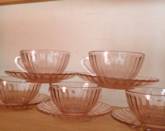 Vintage coffee cups pink glass depression glass Art Deco art nouveau