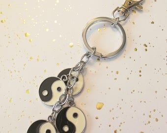 "Nice bag in Silver ""yin yang"" charm"