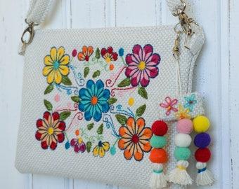 Embroidered Crossbody Bag,Embroidered Bag,Floral Crossbody Bag,Embroidered Clutch,,Boho Clutch bag,Floral Clutch,Bohemian Clutch,White Bag