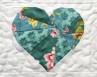 Heart quilt block - Paper piecing pattern - I heart quilting