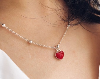 Necklace with chain with aluminum beads and red heart pendant in 925 silver