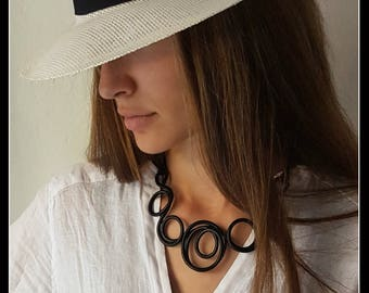 Black Necklace-Contemporary jewellery-gift idea-Original-unique-wanted-special dinner-party-inauguration