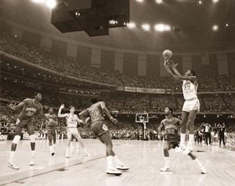 Michael Jordan UNC VS. Georgetown National Championship 1982 Poster 24 x 36