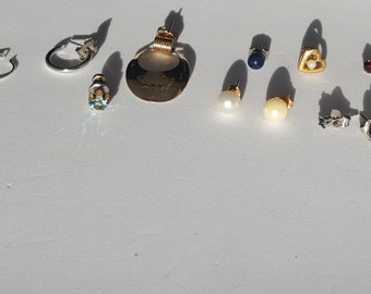 Vintage Gold and Silver SINGLES & 2 PAIRS Pierced Earrings Jewelry LOT Some 14K