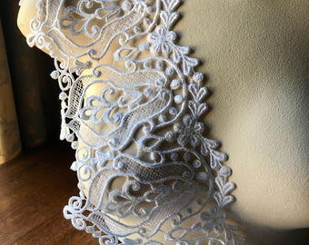 WHITE Lace Venise Style for Bridal,  Costume or Jewelry Design L 3011