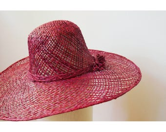 Sun Hat finely handwoven raffia with a bow on the side, Burgundy