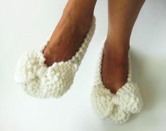 White Wedding Slippers, Women Slippers, Non-slip, Bow Slippers, Ballet flats, Bridal Slippers, Handmade slippers, Knitted slippers