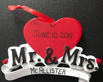 Gift for Newlyweds / Personalized Wedding Ornaments / Christmas Ornament for Couples / Mr and Mrs / First Christmas / Just Married