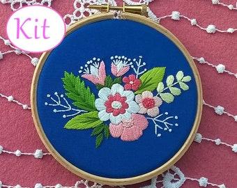 Embroidery kit - Hand embroidery kit - diy embroidery kit - flowers Embroidery pattern - modern embroidery kit - floral design