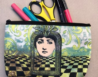 Checkerboard Queen Lady Art Pouch