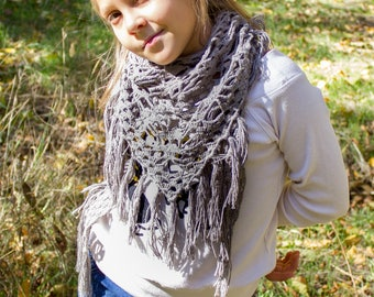 Bohemian crochet scarf Scarf with Sculls Boho chic scarf Triangle Shawl with Tassels  Linen snood pattern with skulls