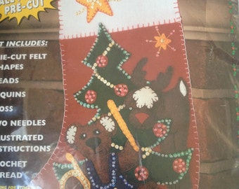 All Stuffed Up Christmas Felt Applique Stocking Kit Drummer Bear by Whats New Kit 62103 1997