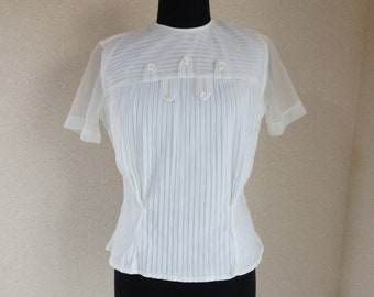 1950s blouse/ 50s white pintuck blouse / sheer pleated chiffon & nylon tricot short sleeves top back buttons xsmall