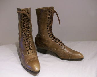 Wonderful Edwardian lace up ankle boots US 5 / UK 3 great colour