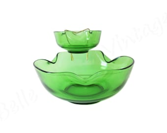 Green Glass Chip and Dip Bowl Set by Anchor Hocking Minimalist Retro Hostess Tiered Party Platter from the 1960s-1970s