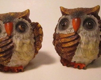 Pair of  OWL Figurines      (#811)