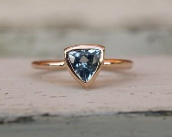 Rose gold aquamarine ring, red gold aquamarine ring