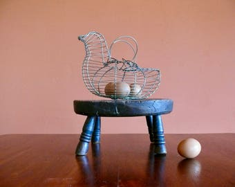 Metal Wire Hen Egg Basket, Rustic Wirework Gathering Basket, Easter Basket, Primitive French Country Farmhouse Decor