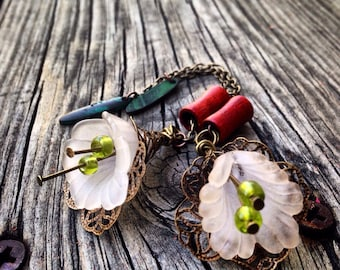 Magnetic Tunnels with Lily Dangles Size 2g(6mm)Wood Ear Gages & Tunnels/Wood Plug Gauges/Wood Eyelet/Wedding/Flower/Hippie/Bohemian/Organic