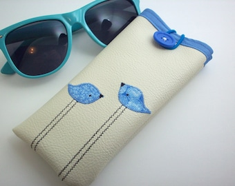 Eyeglass case in cream with blue birds