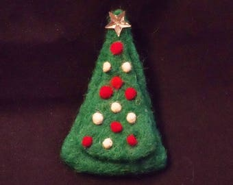 Holiday Pin - Christmas Brooch - Needle Felted - Christmas Tree Pin - Needlefelt Brooch - Felt Christmas - Christmas Gift - Gift for Her