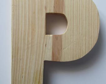 """Made of wood, to decorate, customize - representing the letter """"P"""" - 13.7 cm x 18 cm"""