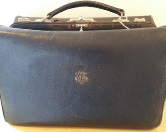 Vintage Gladstone Style Doctors leather  Bag Case