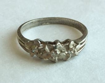 Size 8 Sterling Silver  Flower Band Ring with Bright Crystals