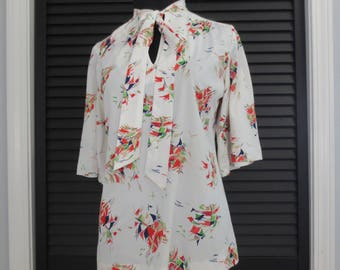 Vintage 70s Blouse Size Small Medium Tie Collar Women's White Colorful Print Short Sleeve Flared Sleeve Ladies