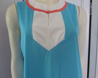 "1960s Color Blocked Nylon Shortie Nightgown by ""Gossard Artemis,"" Size M"