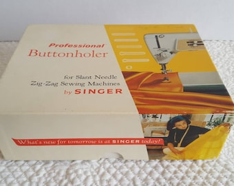 Professional Button Hole Maker Singer Sewing Machine Model 620 with Attachments and Booklet