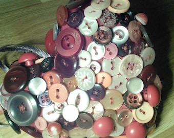 Button heart hanger red tones