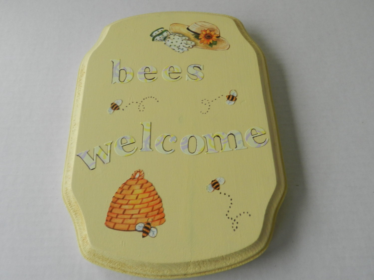 Bee Signs Bees Welcome Signs Bumble Bee Decor Welcome Bee