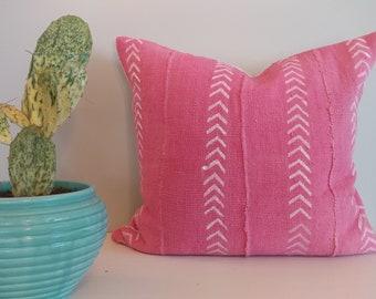 Adorable pink arrow mudcloth
