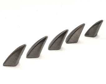 Gunmetal Claw Spikes 17mm / Dragon Claw Spikes / Studs and Spikes / Claw Spikes / Spikes / 17mm Spikes / Screw in Spikes / SET OF FIVE