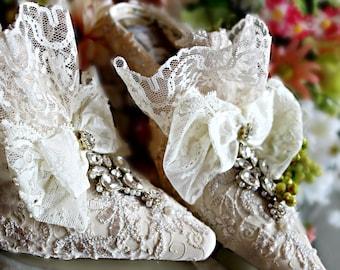 Marie Antoinette Wedding Shoes ..Ivory Lace Shoes .. Ivory and champagne lace wedding shoes .. Marie Antoinette Bride .. Vintage Lace Shoes