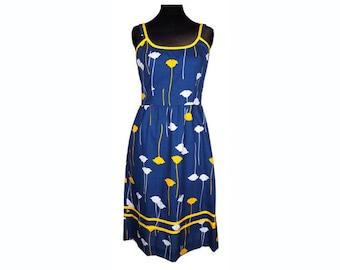 Vintage 1970s Cotton Dress - Floral Print - Sun Dress - M