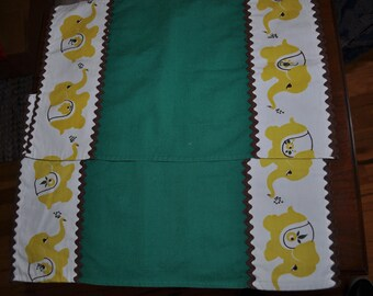 Vintage 1970s Yellow Elephant Patterned Green Set of 2 Tea Towels