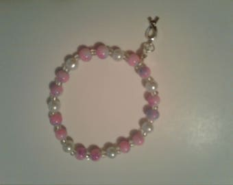 Pink and white stretch bracelet