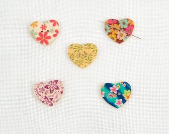 Needleminder / needle keeper / needle knack for cross stitch / embroidery / needlework / xstitch / heart