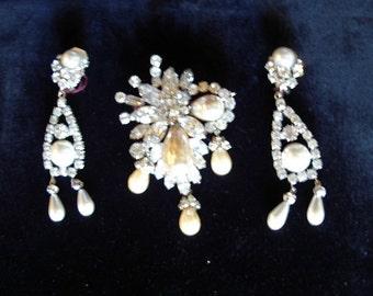 Reduced  Georgeous Pearl/ Rhinestone Brooch/ Drop Earrings Vintage 1960s Item # 808 Jewelry