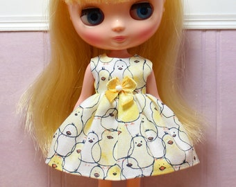 BLYTHE Middie doll Its my party dress - yellow chicks