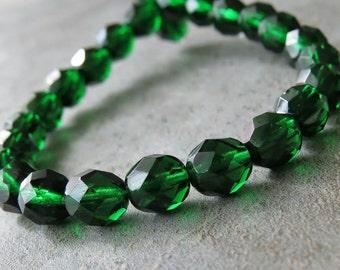 8mm Emerald Green Czech Glass Bead Firepolish Round : 25 pc Czech 8mm Green