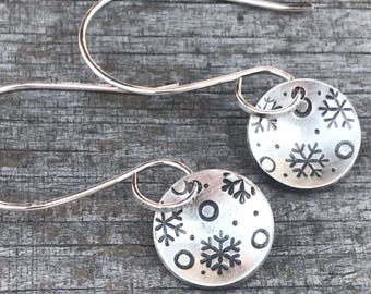Silver Snowflake Earrings, Sterling Silver Earrings, Winter Earrings, Snowflake Earrings, Round Silver Earrings, Disc Earrings