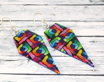 Rainbow diamond shape earring
