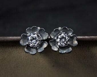 Black sterling silver earrings with white cubic zirconia - Small flower stud earrings - Black flower stud earrings with fianite
