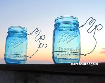 Mr Mrs Mason Jar Wedding Glasses Personalized Bride and Groom Mason Jar Wedding Mug Cups in Blue or Clear